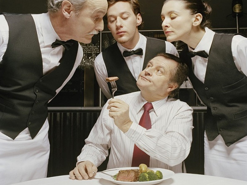 Xử lý phàn nàn trong nhà hàng